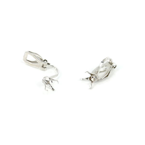 Clip Earrings with Claw Mounting in Sterling Silver 16.3mm x 8.2mm x 6mm