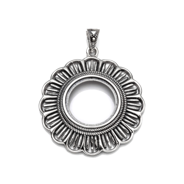 Antique Pendant with Round Bezel Mounting and Bail in Sterling Silver 33mm x 41mm x 6mm