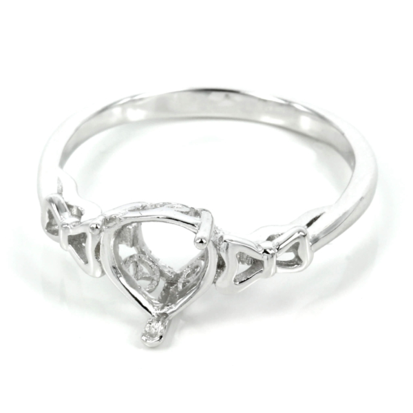 Gallery style ring with pear setting in sterling silver 7mm x 9mm